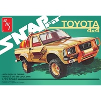 AMT 1114M 1/25 1980 Toyota Hilux SR5 Pickup (Snap) 2T Plastic Model Kit