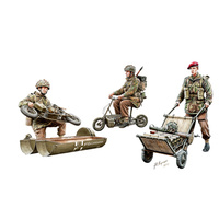 Bronco CB35192 1/35 WWII British Paratroops In Action Set B Plastic Model Kit