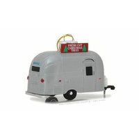 "Greenlight 1/64 Airstream 16"" Bambi with Hook Ring ""Fresh Cut Christmas Tree"" - Silver 29915 Diecast"