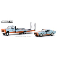 Greenlight 1/64 1967 Chev C-30 Ramp Truck w 1967 Chev Camaro #6 Gulf Oil H.D. Trucks Series Diecast