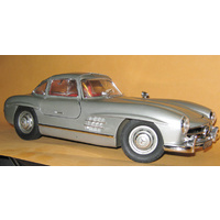 Italeri 1/16 Mercedes Benz 300SL GullWing Car Plastic Kit