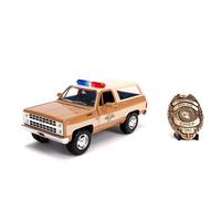 Jada 1/24 Stranger Things Badge w/1980 Chevy Blazer Movie