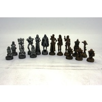 Dal Rossi Mad Max Robot Chess Pieces Polyresin