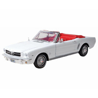 Motormax 1/18 1964 1/2 Ford Mustang Convertible Platinum Series 73145PTM Diecast