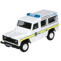 Oxford OO Garda Land Rover Defender Station Wagon Diecast 76DEF004