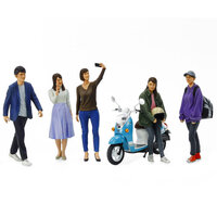 Tamiya 1/24 Campus Friends Set 2 Plastic Model Kit